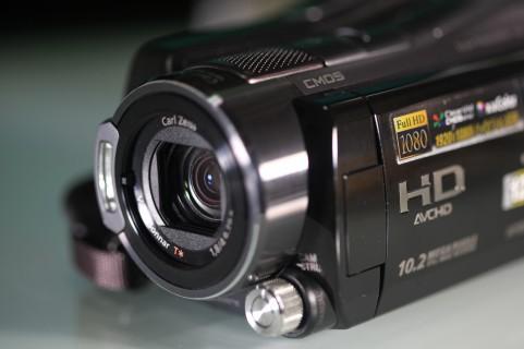 AVCHDビデオカメラ
