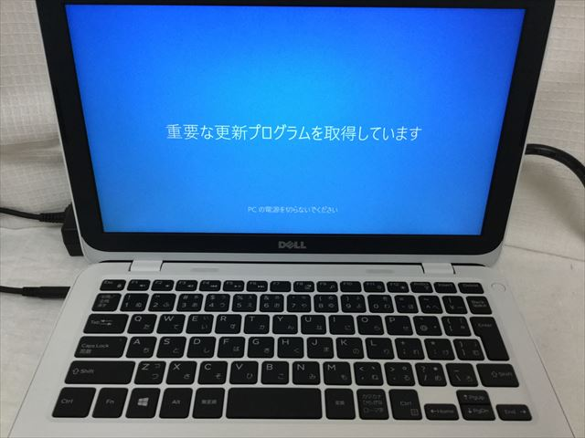 DELL「Inspiron 11 3162」起動