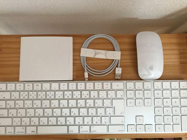iMac27インチ(2019年版・i9)の付属品「Magic Mouse2」「Magic Keyboardテンキー付き」など。
